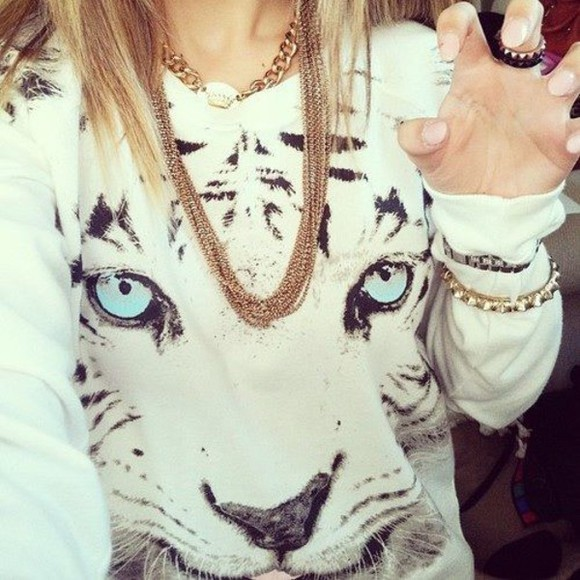 tiger print blouse sweater white jumper tumblr blue jewels tiger clothe white blouse clothes classy whitesweater white tiger blue eyes eyes top blank