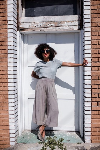 five friday faves (no. 9) blogger top shoes sunglasses grey pants wide-leg pants blue top spring outfits