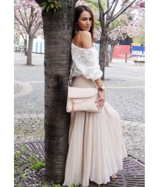 skirt top sweater blouse bag light pink purse light pink pink pink skirt maxi skirt long skirt roses flowers floral tank top floral top floral white top white white blouse white sweater fall clothing fall outfits spring outfits cute girly style fashion hand bag