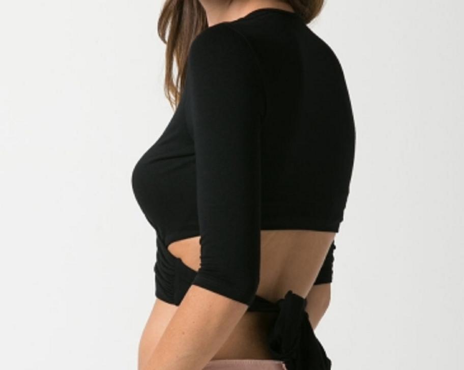 3/4 sleeve tie back crop top