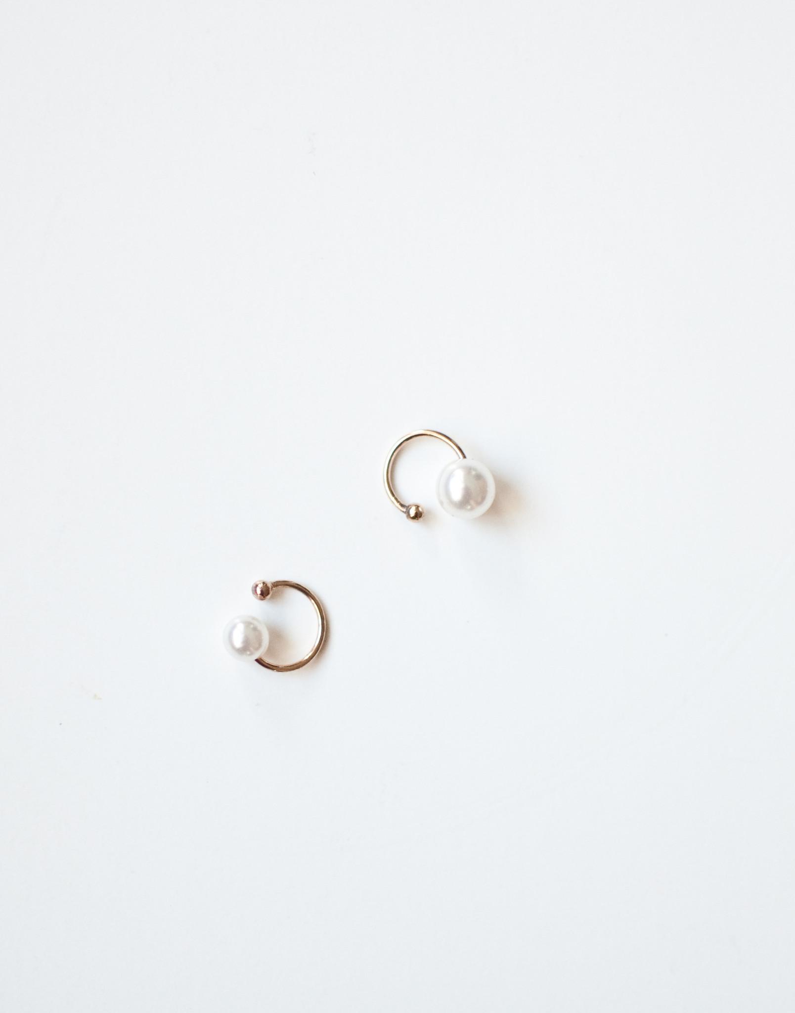 Pearl ear cuffs set