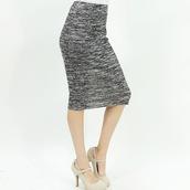 pencil skirt,trendy,office outfits,midi skirt,grey skirt