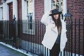 fringe and frange,shoes,coat,jeans,hat,sweater,sud express
