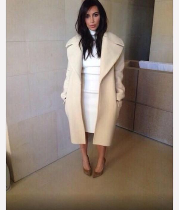 oversized kim kardashian jacket beige
