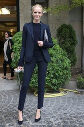 pants,power suit,black pants,top,black top,blazer,black blazer,sweater,black sweater,pumps,black pumps,high heels,high heel pumps,pouch,printed pouch,streetstyle,all black everything,two piece pantsuits,business casual,matching set