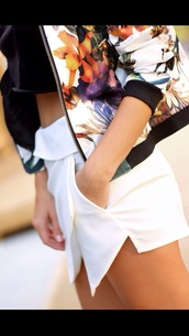 skirt,skorts,shorts,jacket,tumblr,fashion,instagram,blogger shorts,blogger skirt,chic,white skort,flowers,floral,zip