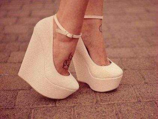shoes nude wedges