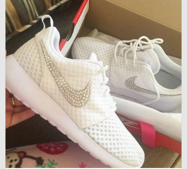shoes roshes white wheretoget
