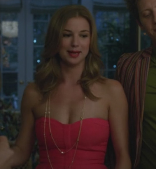 red dress revenge emily vancamp red maxi dress jewels stone necklace