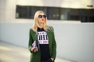 meri wild coat t-shirt shorts bag sunglasses