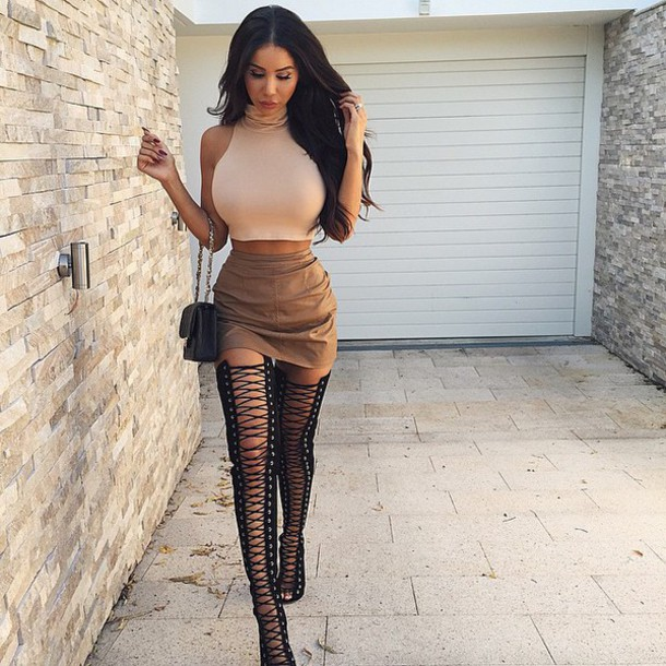skirt brown cropped purse high heels