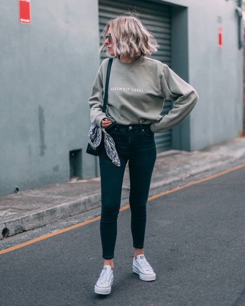 jeans skinny jeans sneakers blouse bag sunglasses
