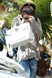 bag,selena gomez,jeans,lace,knitted sweater,long sweater,sweater
