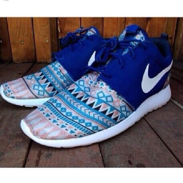 3d61f42c8faf shoes nike roshe run nike roshe run pattern colorful