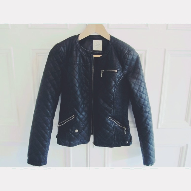 ✨Black leather jacket from ZARA with quilted effect. Very good ...