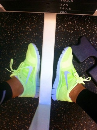 shoes neon yellow nike running shoes