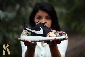 KIKERONI — WOMEN'S Nike Roshe Run