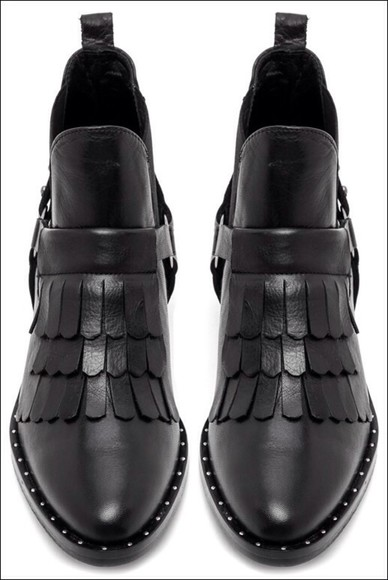 shoes style fashion loveit love is in the air want want want! black leather boots classic lifestyle life want this now