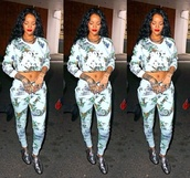 sweatpants,rihanna,tights,jumpsuit