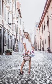 glamgerous,blogger,dress,jewels,bag,shoes,fall outfits,sandals,mini dress,handbag