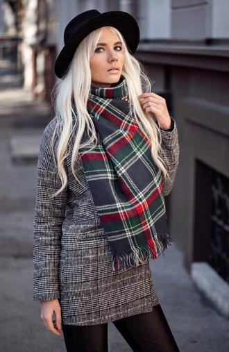 oksana orehhova fashion secrets with oksana blogger scarf
