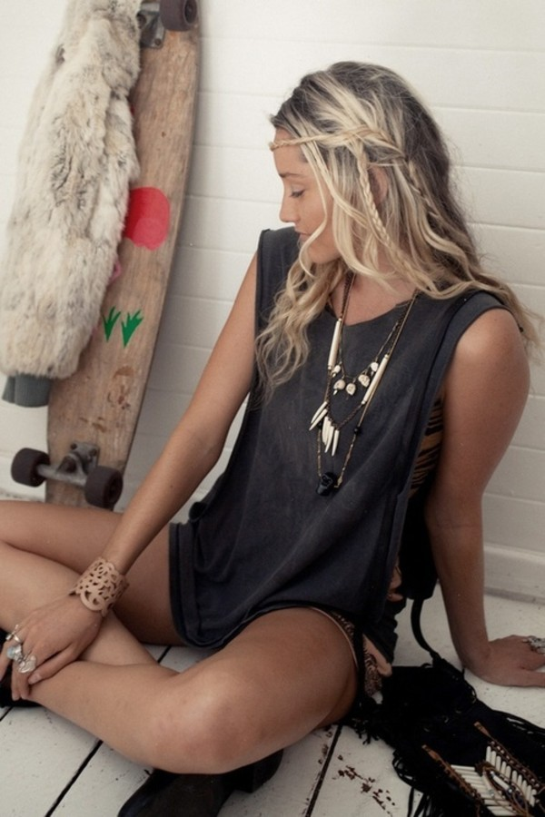 jewels necklace hippie tusk girl shirt indie indie boho i need this help bohemian tank top hipster yound wild and free skater native american love fashion summer style jewelry necklace cute ootd desgin nice stylegoals boho jewelry bracelets outfit idea