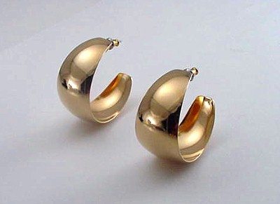 3/4 inch wide hoop earrings in 18 kt gold overlay