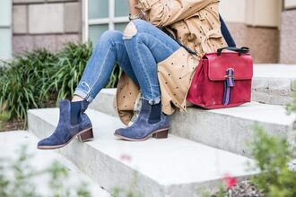 the courtney kerr blogger shoes jeans tank top coat bag sunglasses jewels red bag beige coat ankle boots