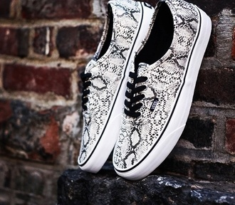 shoes white black snake print vans