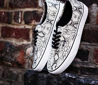 shoes snake skin vans black white