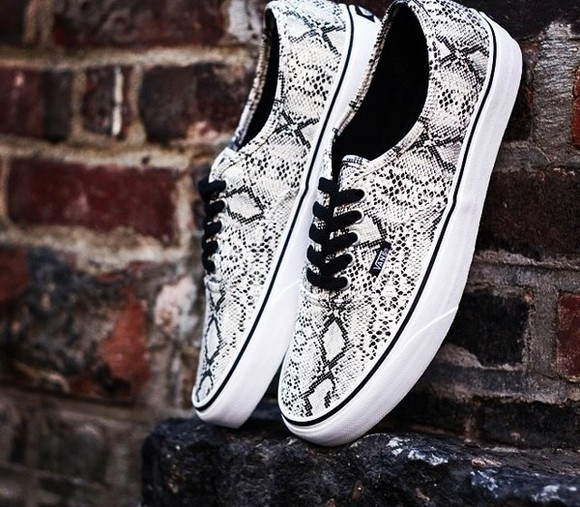 shoes vans authentic black snake skin white