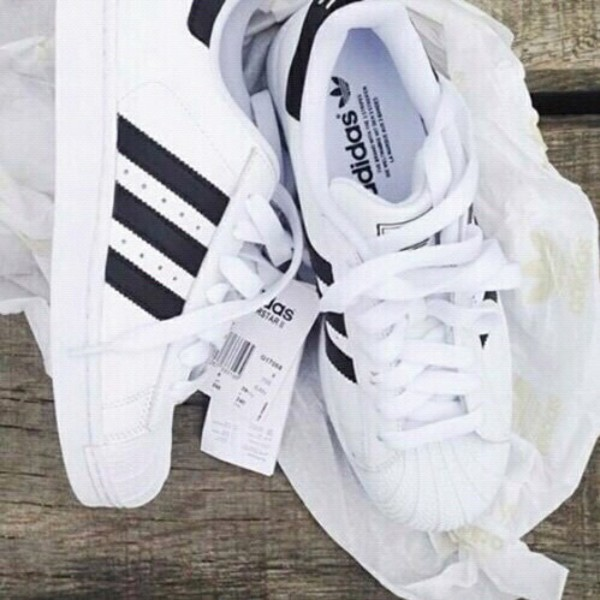 scarpe adidas superstar false