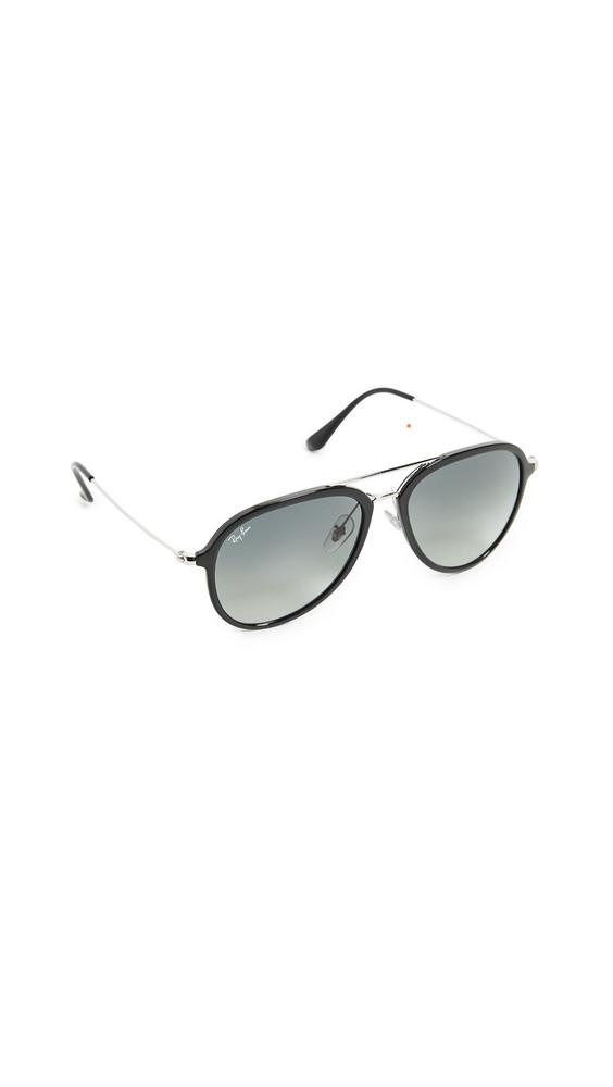 Ray-Ban Aviator Sunglasses in black / grey