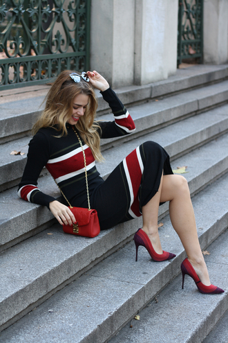 dress tumblr knitwear knitted dress midi dress stripes striped dress printed knit dress midi knit dress pumps pointed toe pumps high heel pumps red heels bag red bag chain bag long sleeves long sleeve dress sunglasses winter date night outfit