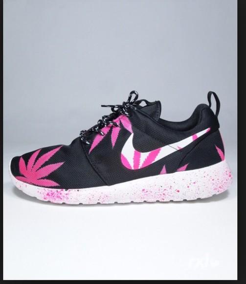 pink black white fashion shoes marijane nike roshe run basket,