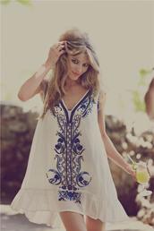 dress,hippie,flowy,simply,hipster,white,blue,detail,bohemian,white printed dress blue,beach,summer,kaftan,swing dress,floral,boho
