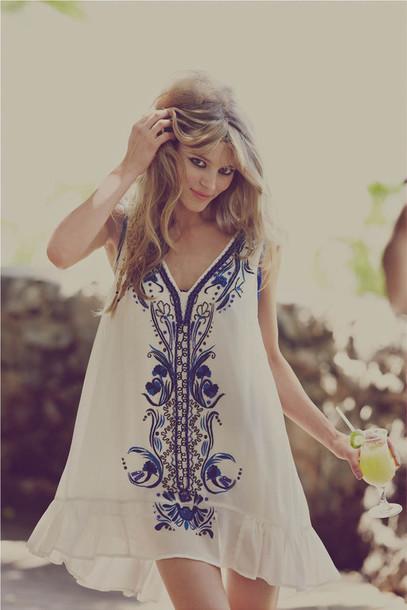 dress hippie flowy simply hipster white blue detail bohemian white printed dress blue beach summer kaftan swing dress floral hippie boho