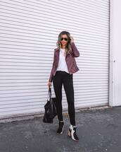 top,white top,long sleeves,leather jacket,skinny pants,black pants,ankle boots,shoulder bag,aviator sunglasses