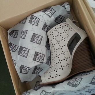 shoes bumper zooshoo shoes zooshoo wedges wedges summer shoes gray wedges cut out wedges zooshoo
