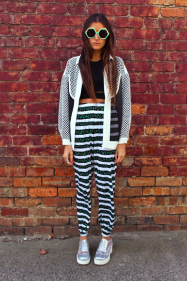 jacket chic sunglasses how two live tumblr bloggers twins blogger tumblr style tank top crop tops clothes trousers stripes rainbow hollogram brogues shoes jeans jacket patterns pants