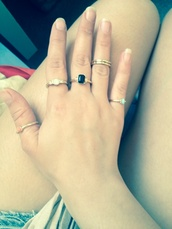 jewels,multi rings,ring,accessories,hand jewelry,gold ring,beyonce,indie,hipster,good,old,richie,knuckle ring,midi