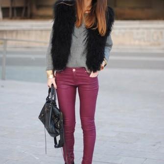 bag jumper heels grey middle jeans casual elegant brunette fur coat fur tree grey jumper violet ombre black heels spring model ombre hair faboulous the middle