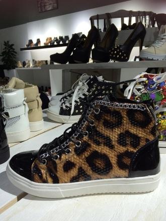 shoes leopard