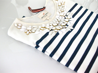 shirt stripes top white blue necklace blue and white jewels jewelry jacket sailor top sweater girl t-shirt black and white pullover diamonds navy stripes blouse blue stripe