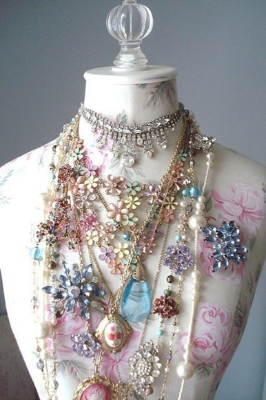 Pin up jewels crystal buttons necklace locket floral