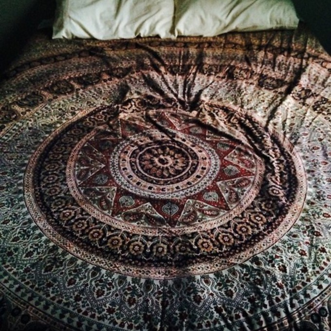 sweater bedding indie blanket tumblr just help me find it urban outfitters probably scarf sheet hippie bedding bed spread mandala native american cotton jewels dress tribal pattern colorful hippie comforter hipster punk pajamas tights bedsheets bag bed cover nail accessories top red boho phone case scarf red