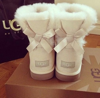 cream white winter sweater bows ugg boots