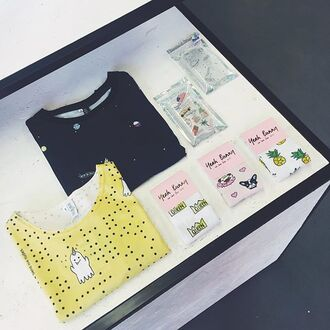 t-shirt yeah bunny snap yellow roll-up sleeves snapchat snapchat shirt tumblr folded sleeves cotton