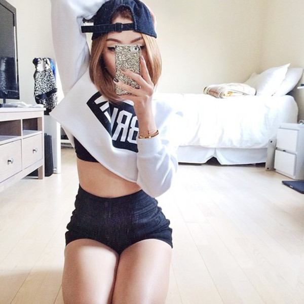 shirt shorts t-shirt short top crop tops black white