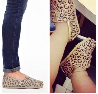 girl kids fashion kids shoes leopard print toms matching shoes mother and child